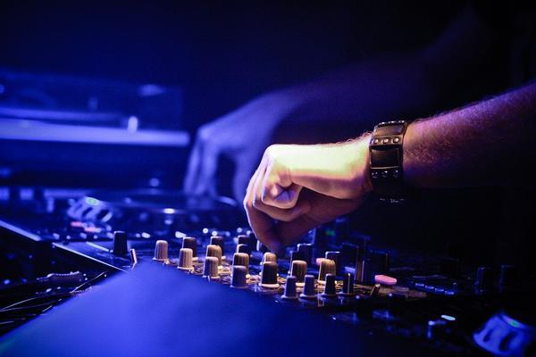 dobry DJ z Poznania